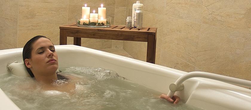 Baño termal individual agua sulfurosa